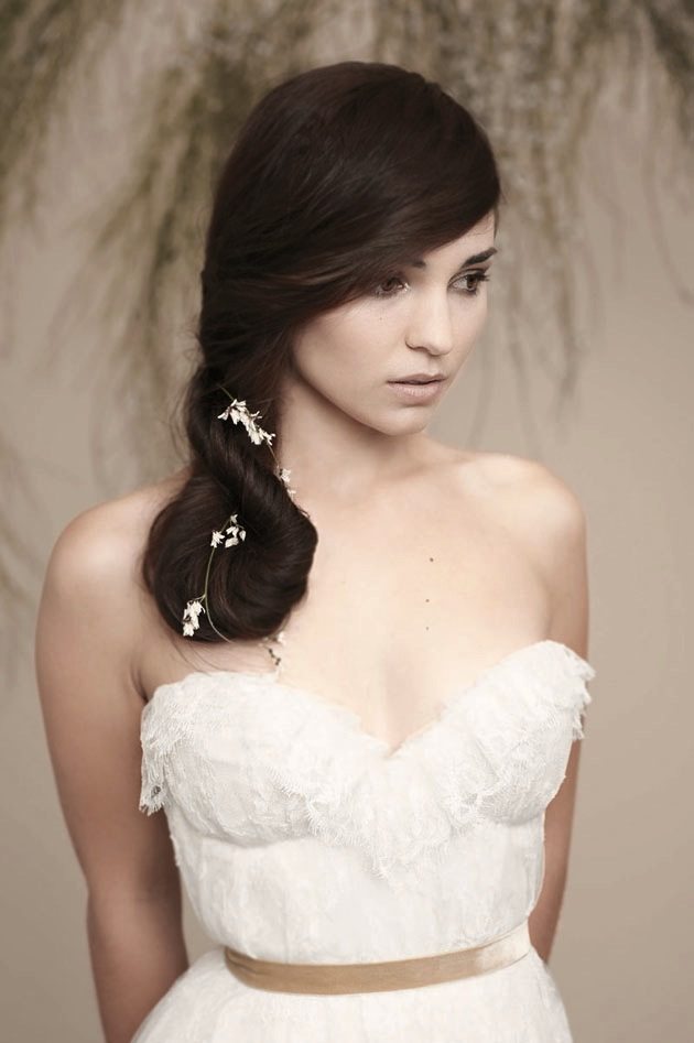 Best Wedding Hairstyles for Round Faces