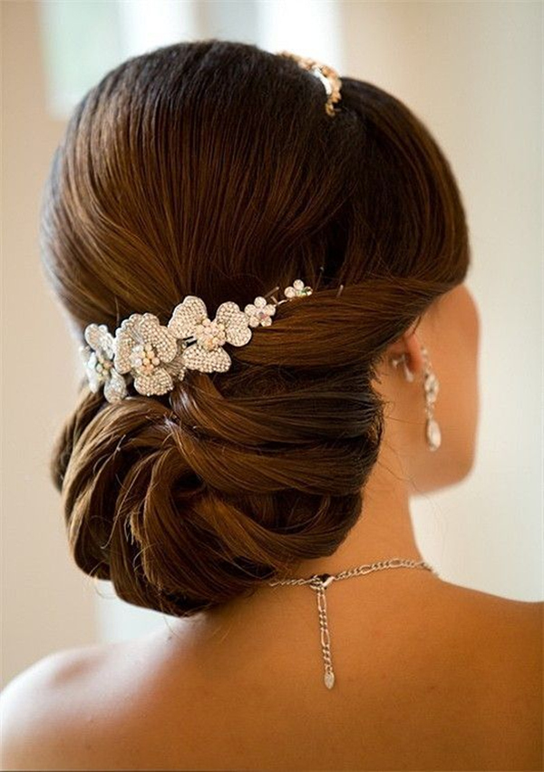effortless elegant Wedding Hairstyles For Brown Hairs