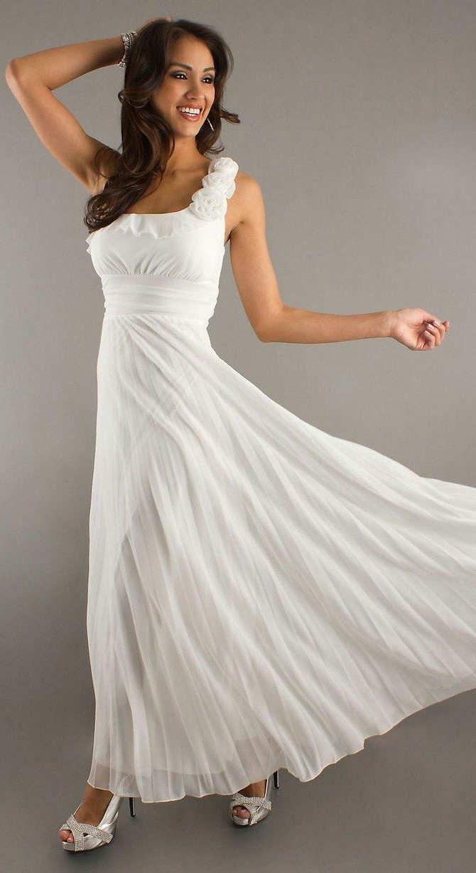 Flowy and simple Wedding Dresses