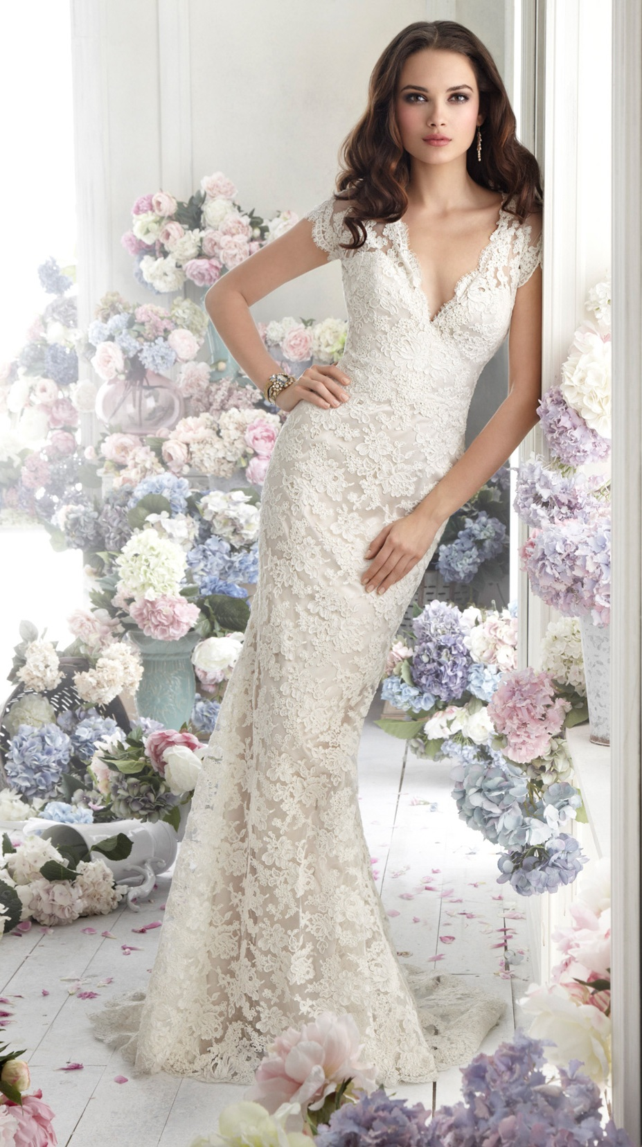 Marvellous Ivory Wedding Dresses