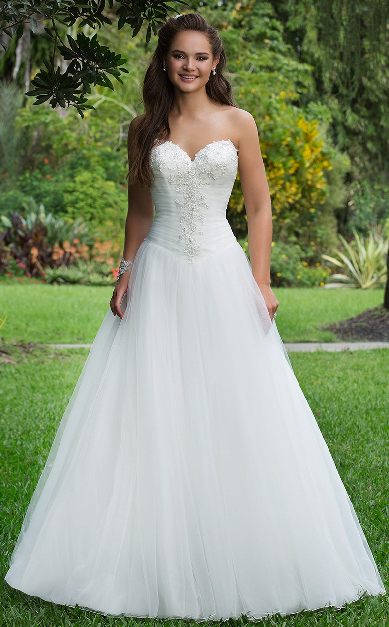 Stunning Sweetheart Wedding Dress