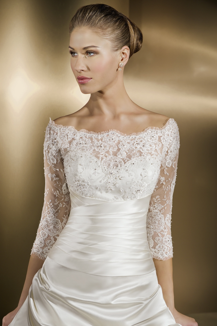 Wedding dress with sleeves for petite