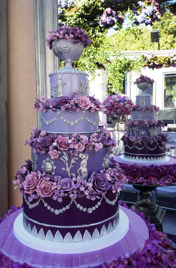 Amazing Purple Wedding Cake Decorations