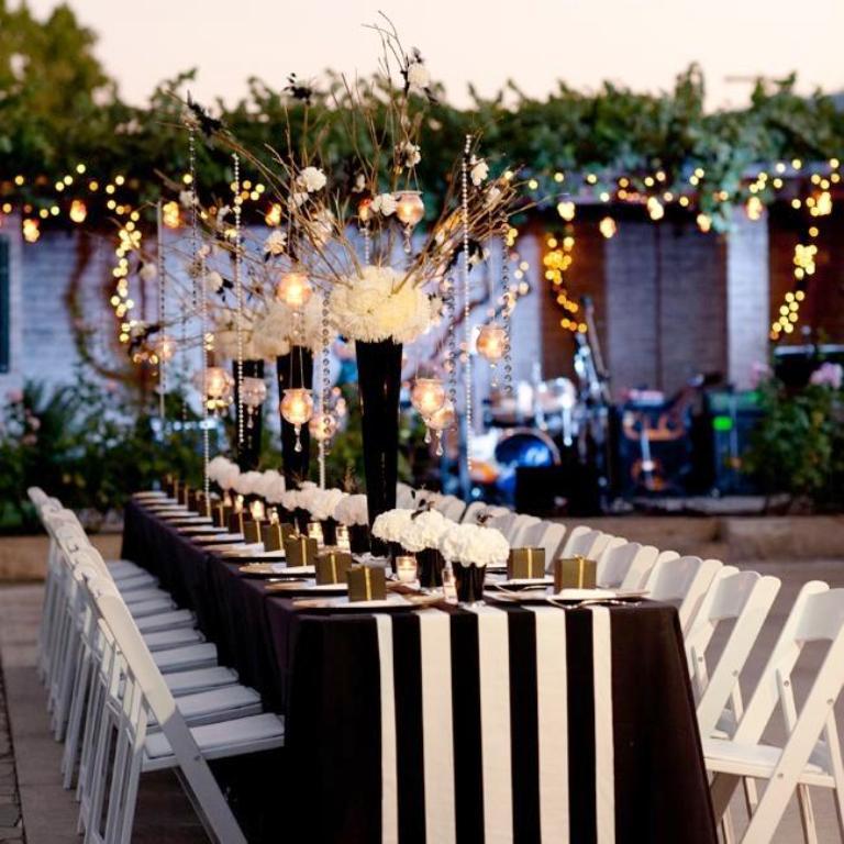 Classic Black Themed Wedding Decorations