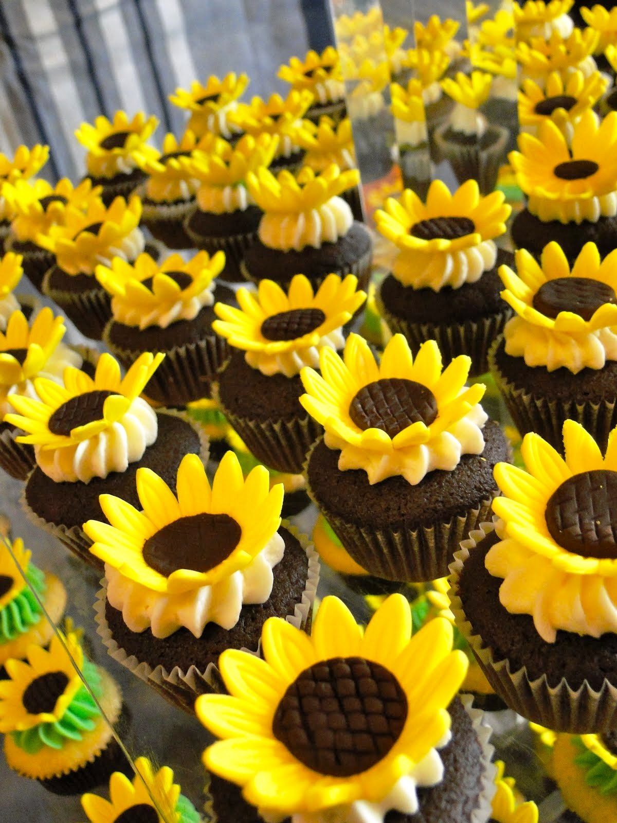 Sunflower Wedding Cup Cake Decorating Ideas