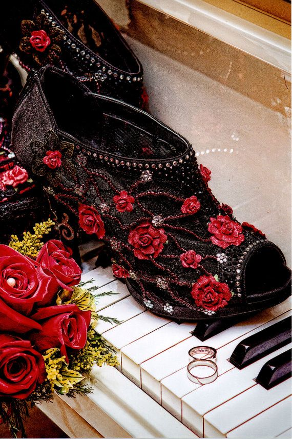 Gorgeous Halloween Wedding Shoes Gifts Ideas